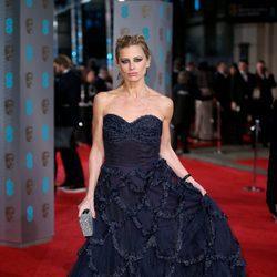 Laura Bailey en la alfombra roja de los BAFTA 2016