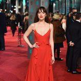 Dakota Johnson en la alfombra roja de los BAFTA 2016