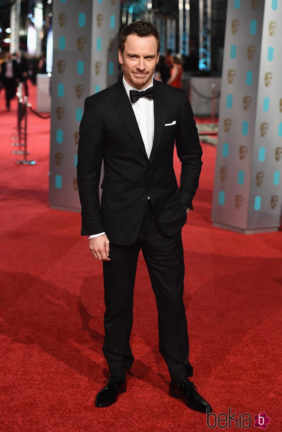 Michael Fassbender en la alfombra roja de los BAFTA 2016
