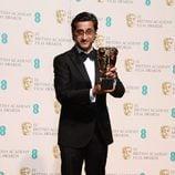 Asif Kapadia con su BAFTA 2016 por el documental 'Amy'