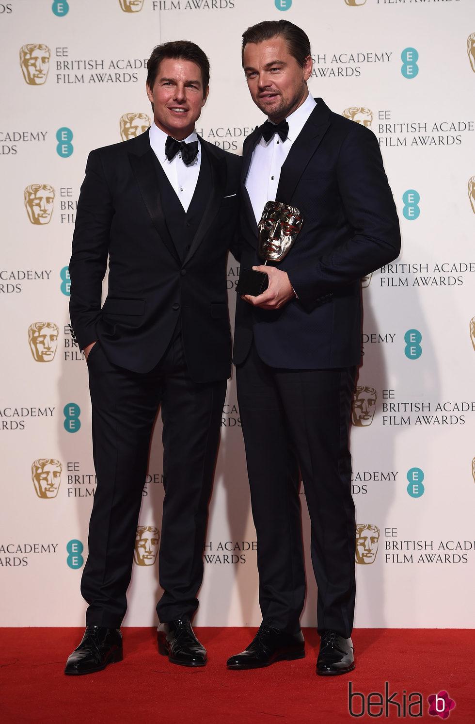 ¿Cuánto mide Leonardo DiCaprio? - Real height 86554_leonardo-dicaprio-tom-cruise-bafta-2016-mejor-actor-el-renacido