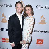Miranda Kerr y Evan Spiegel en la fiesta Clive Davis previa a los Grammy 2016