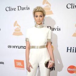 Tori Kelly en la fiesta Clive Davis previa a los Grammy 2016