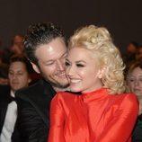 Gwen Stefani y Blake Shelton acaramelados en la fiesta Clive Davis previa a los Grammy 2016