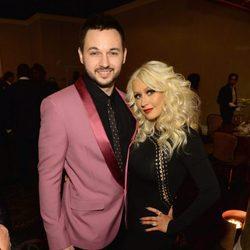 Christina Aguilera y Matthew Rutler en la fiesta Clive Davis previa a los Grammy 2016