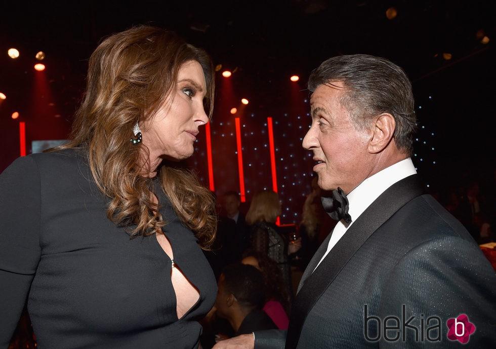 Sylvester Stallone y Caitlyn Jenner en la fiesta Clive Davis previa a los Grammy 2016