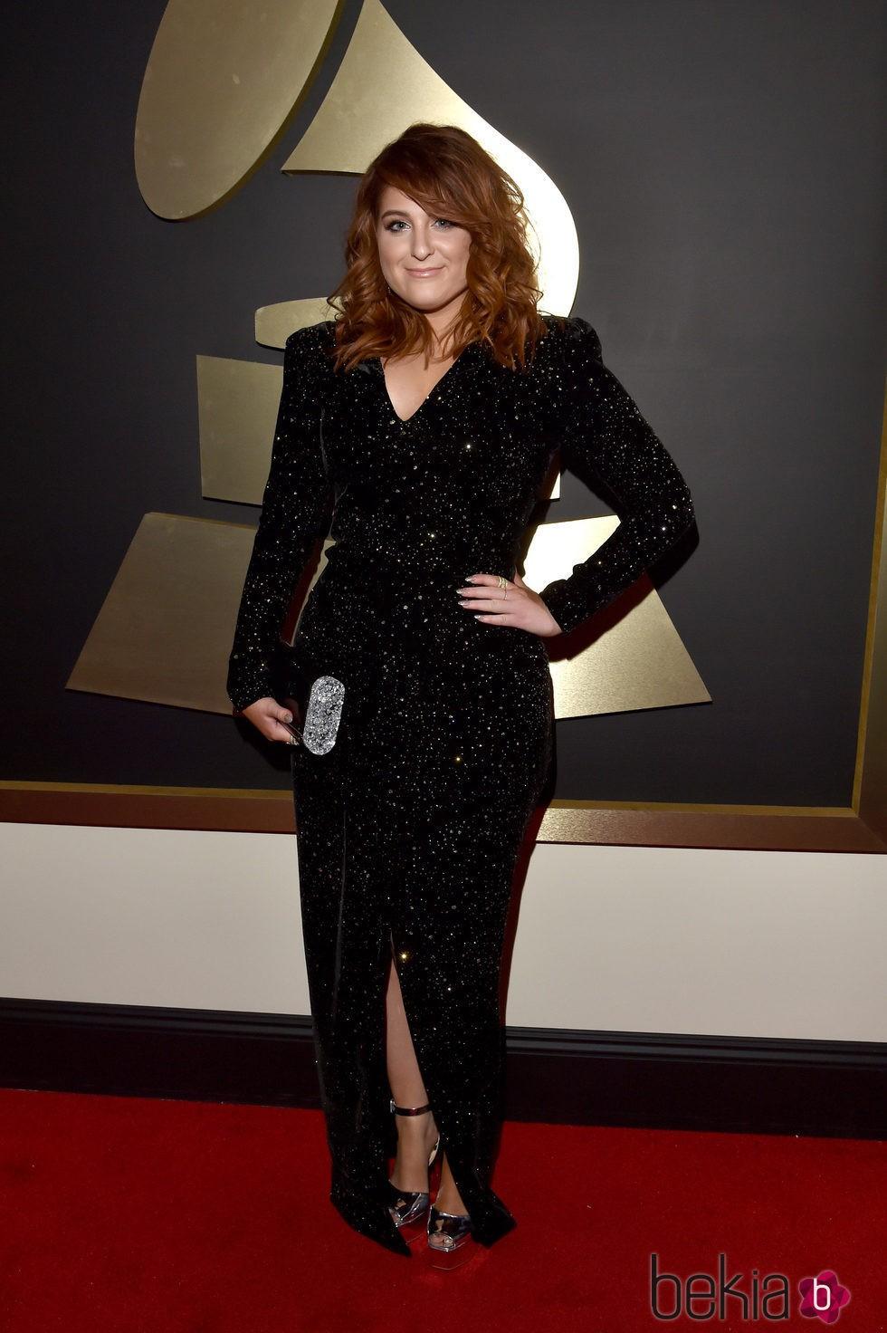 Meghan Trainor en la alfombra roja de los Premios Grammy 2016