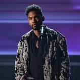 Miguel durante su actuación en los Premios Grammy 2016
