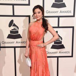 Ashley Park en la alfombra roja de los Premios Grammy 2016