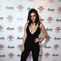 Charli XCX en la entrega de los Premios NME 2016 en Londres