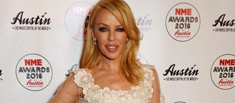 Kylie Minogue en la entrega de los Premios NME 2016 en Londres