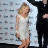 Kylie Minogue llegan a la entrega de los Premios NME 2016 en Londres