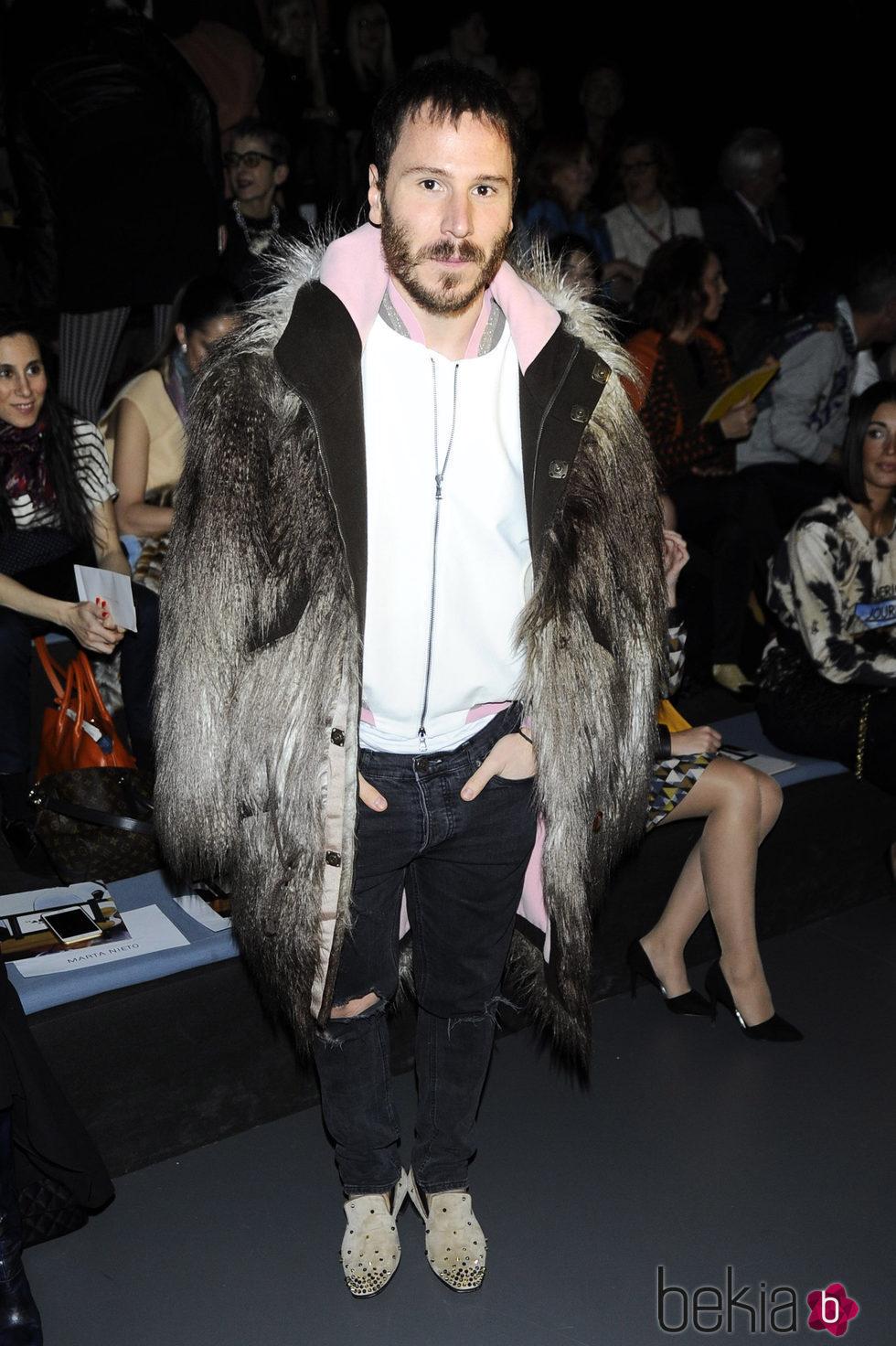 Rubén Ochandiano en el desfile de Ana Locking en Madrid Fashion Week otoño/invierno 2016/2017