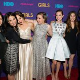 Jenni Konner, Lena Dunham, Jemima Kirke, Allison Williams, Zosia Mamet y Judd Apatow en el estreno de la tercera temporada de 'Girls'
