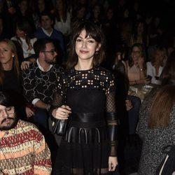 Úrsula Corberó en el desfile de Teresa Helbig en Madrid Fashion Week otoño/invierno 2016/2017