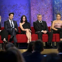 Lisa Kudrow, David Schwimmer, Courteney Cox, Matt leBlanc y Jennifer Aniston en NBC