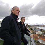 Iker Casillas y Bertín Osborne miran las vistas desde la casa de Casillas en 'En la tuya o en la mía'