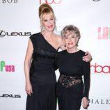 Melanie Griffith y Tippi Hedren en los Hollywood Beauty Awards