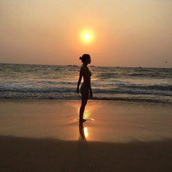 Cristina Pedroche posa en bikini en una playa de la India
