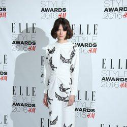 Stacy Martin en los Premios Elle Style 2016