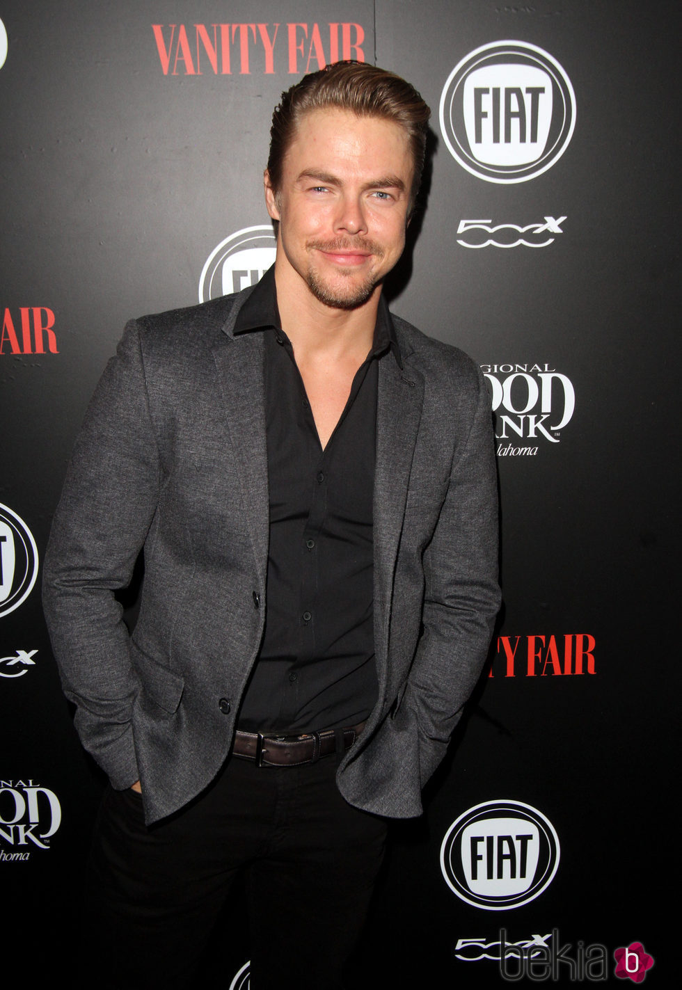 Derek Hough en una fiesta organizada por Vanity Fair en Hollywood