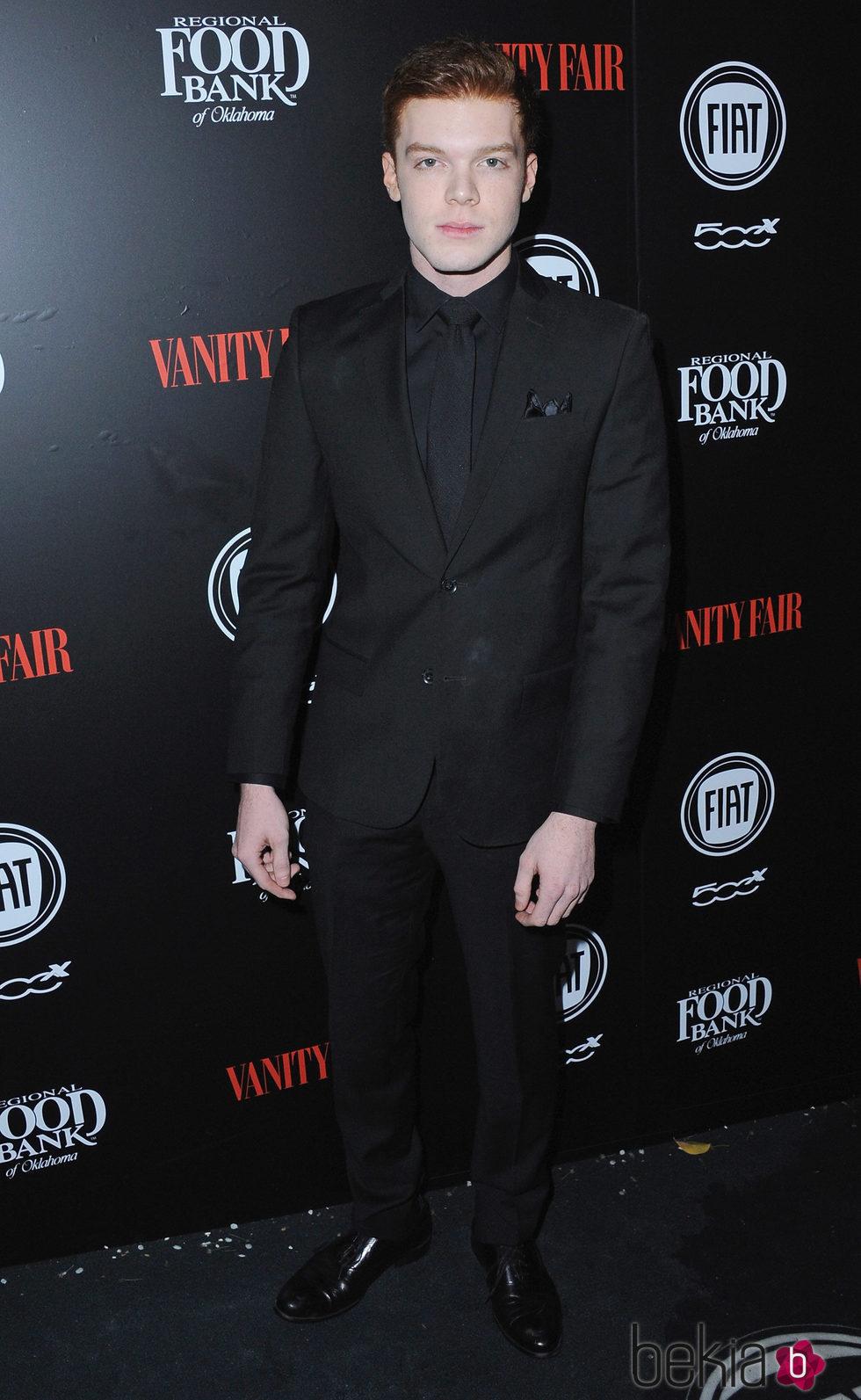 Cameron Minaghan en una fiesta organizada por Vanity Fair en Hollywood
