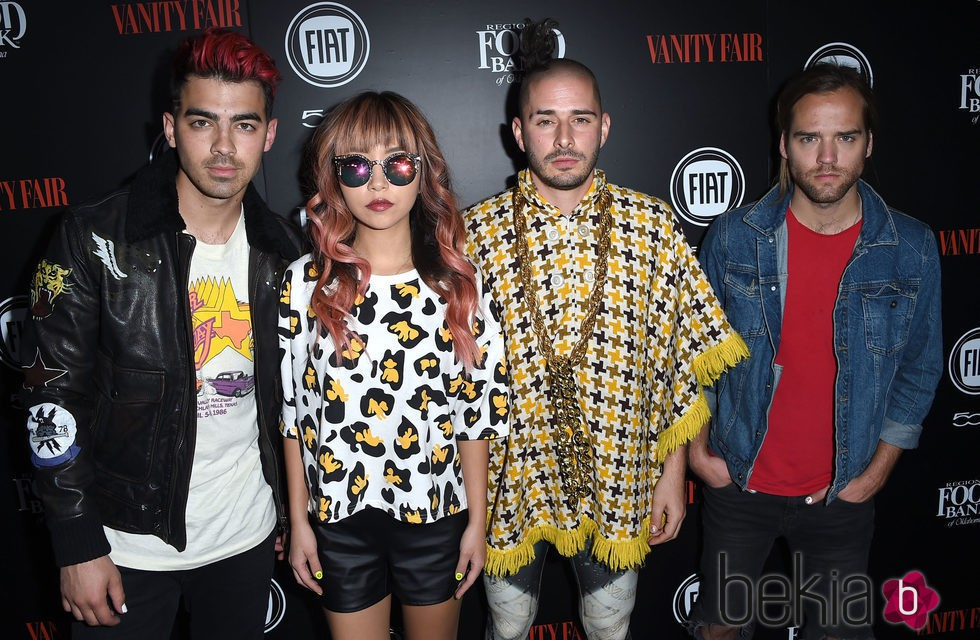 Joe Jonas, JinJoo Lee, Cole Whittle y Jack Lawless 'DNCE' en una fiesta organizada por Vanity Fair en Hollywood