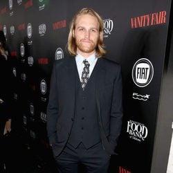 Wyatt Russell en una fiesta organizada por Vanity Fair en Hollywood