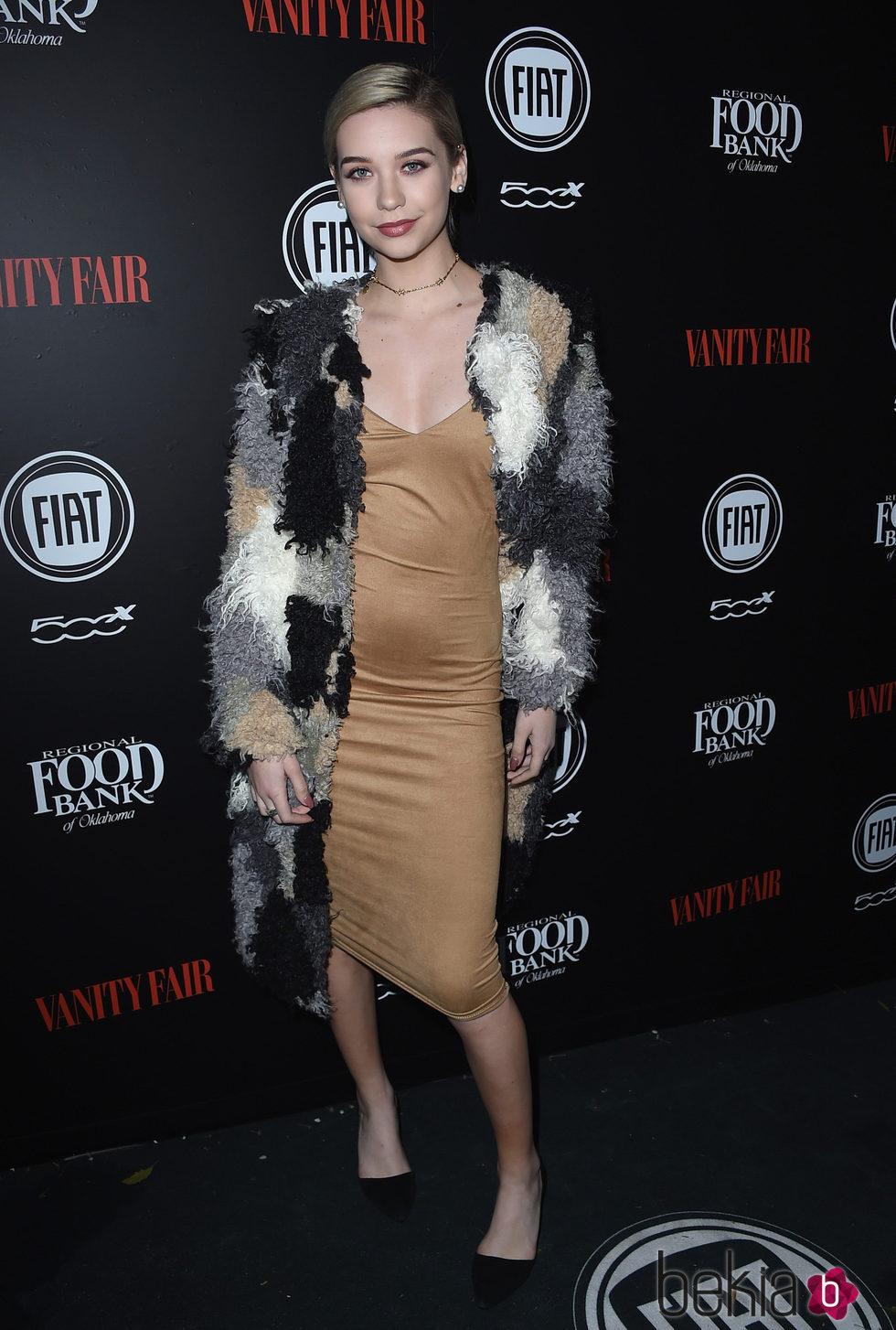 Amanda Steele en una fiesta organizada por Vanity Fair en Hollywood