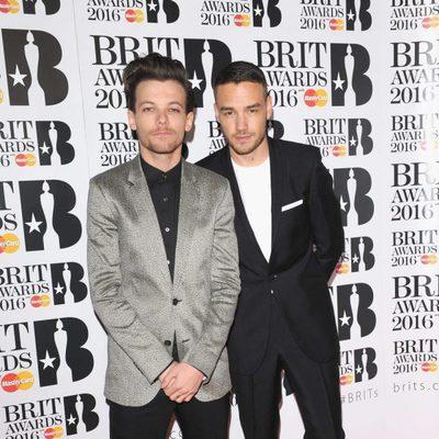 Louis Tomlinson y Liam Payne en la alfombra roja de los Premios Brit 2016