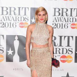 Ashley Roberts en la alfombra roja de los Premios Brit 2016