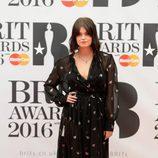 Pixie Geldof en la alfombra roja de los Premios Brit 2016