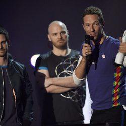 Coldplay recoge su galardón en los Premios Brit 2016