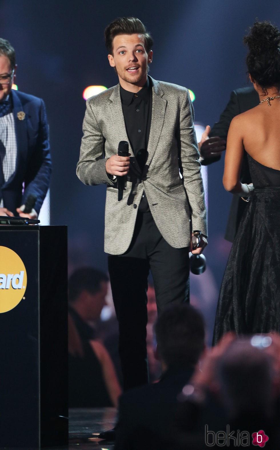 Louis Tomlinson en la entrega de los Premios Brit 2016