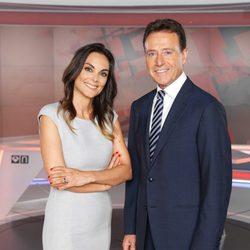 Los presentadores de Antena 3 Noticias Matías Prats y Mónica Carrillo