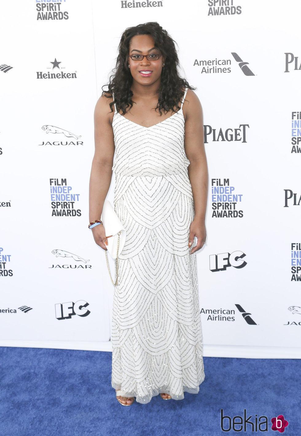 Mya Taylor en la alfombra roja de los Independent Spirit Awards 2016
