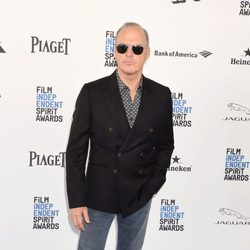 Michael Keaton en la alfombra roja de los Independent Spirit Awards 2016