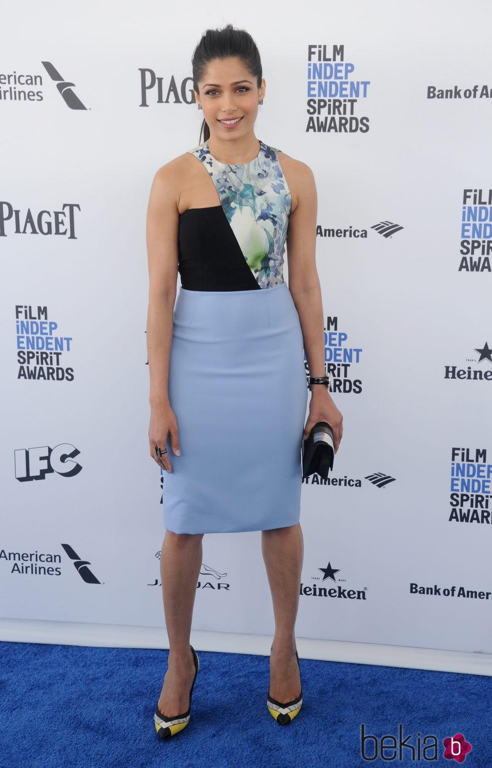 Freida Pinto en la alfombra roja de los Independent Spirit Awards 2016
