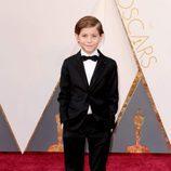 Jacob Tremblay en la alfombra roja de los Premios Oscar 2016
