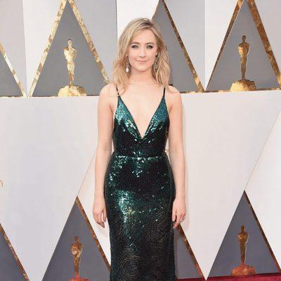 Saoirse Ronan en la alfombra roja de los Premios Oscar 2016