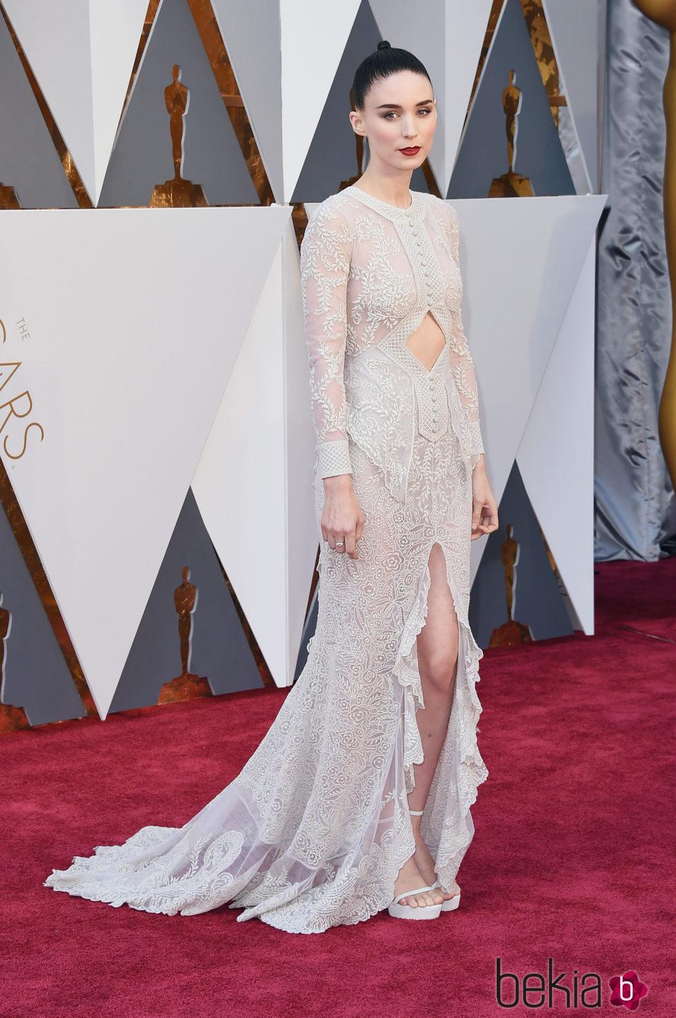 Rooney Mara en la alfombra roja en los Premios Oscar 2016