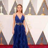 Brie Larson en la alfombra roja en los Premios Oscar 2016