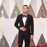 John Legend en la alfombra roja en los Premios Oscar 2016