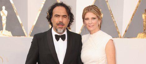 Alejandro González Iñárritu y su mujer Maria Eladia Hagerman en la alfombra roja de los Premios Oscar 2016