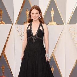 Julianne Moore en la alfombra roja de los Premios Oscar 2016