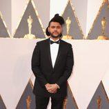 The Weeknd en la alfombra roja en los Premios Oscar 2016