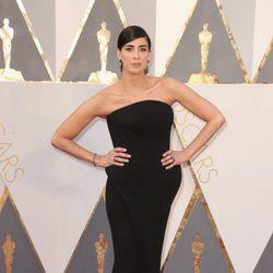 Sarah Silverman en la alfombra roja en los Premios Oscar 2016