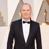 Michael Keaton en la alfombra roja de los Premios Oscar 2016