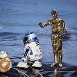 R2-D2, C-3PO, BB-8 en la gala de los Premios Oscar 2016