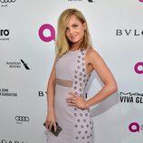 Mena Suvari en la fiesta de Elton John tras los Oscar 2016
